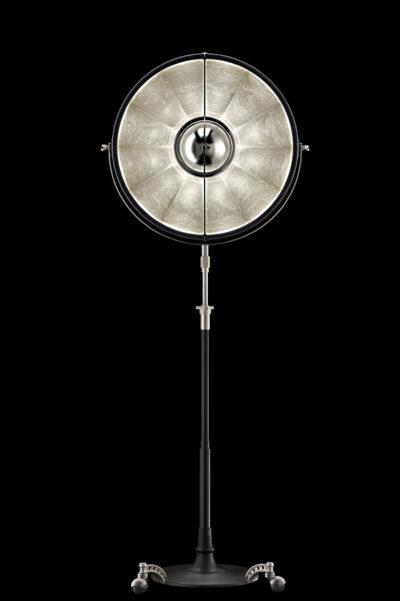 Fortuny Atelier 63 Stehleuchte aus Schwarz und Blattsilber