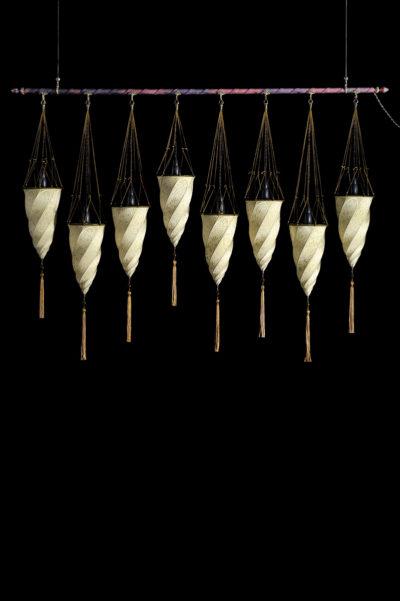 Fortuny Cesendello Seidenleuchte an einer Stange mit 8 Lichtpunkte