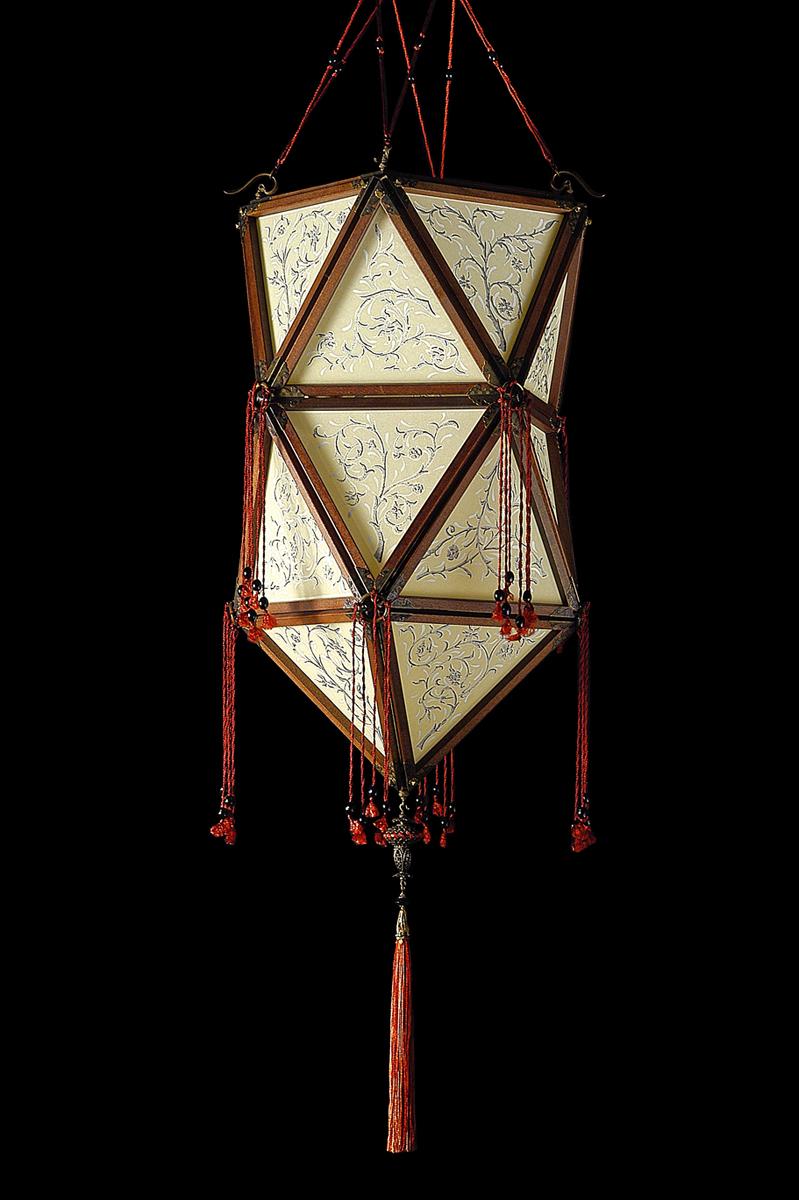 Fortuny Concubine Favorita Seidenleuchte mit Holzkonstruktion