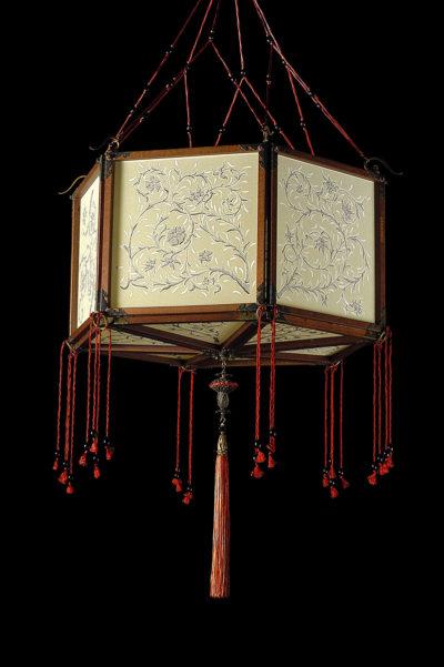 Fortuny Concubine Loto Seidenleuchte mit Holzkonstruktion