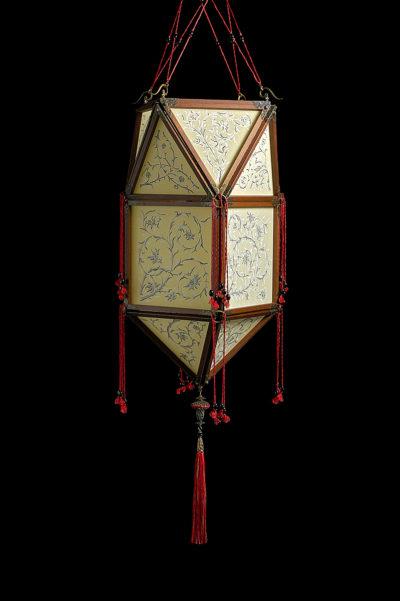 Fortuny Concubine Peonia Seidenleuchte mit Holzkonstruktion