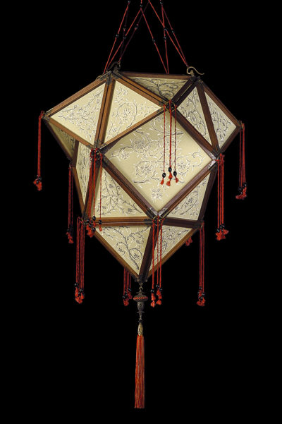 Fortuny Concubine Proibita Seidenleuchte mit Holzkonstruktion