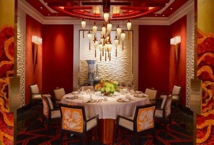 GOLDEN FLOWER Restaurant in China mit Fortuny Leuchte 5