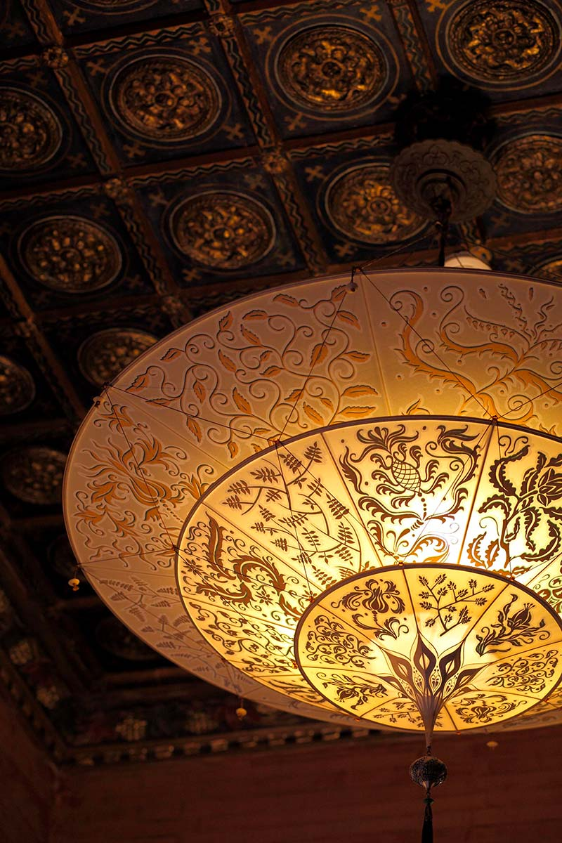 Palazzo Stern in Venedig mit Fortuny leuchte