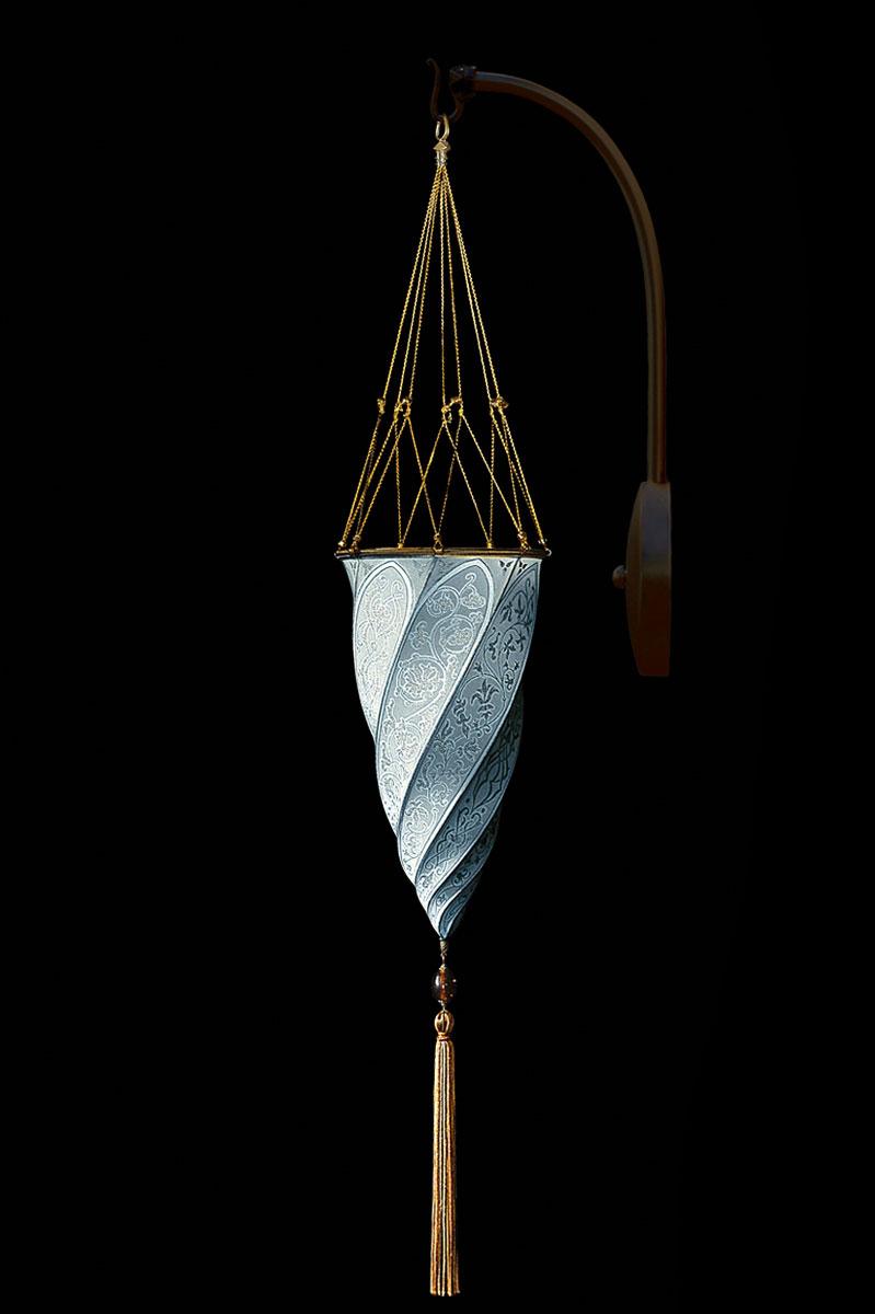 Fortuny Cesendello hellblaue Bogen-Seidenwandleuchte