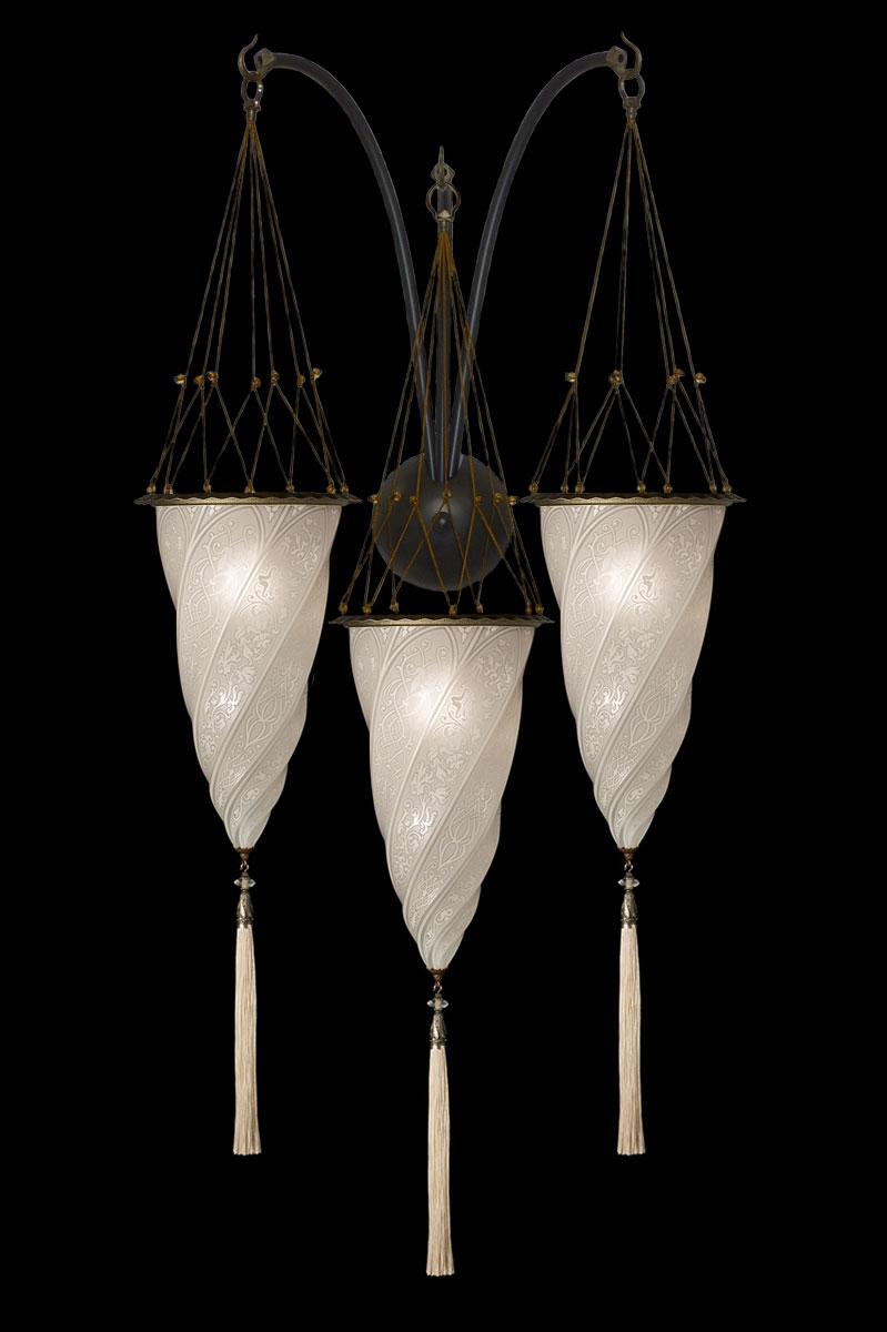 Weiße Fortuny Cesendello Dreifachbogen-Wandleuchte aus Glas