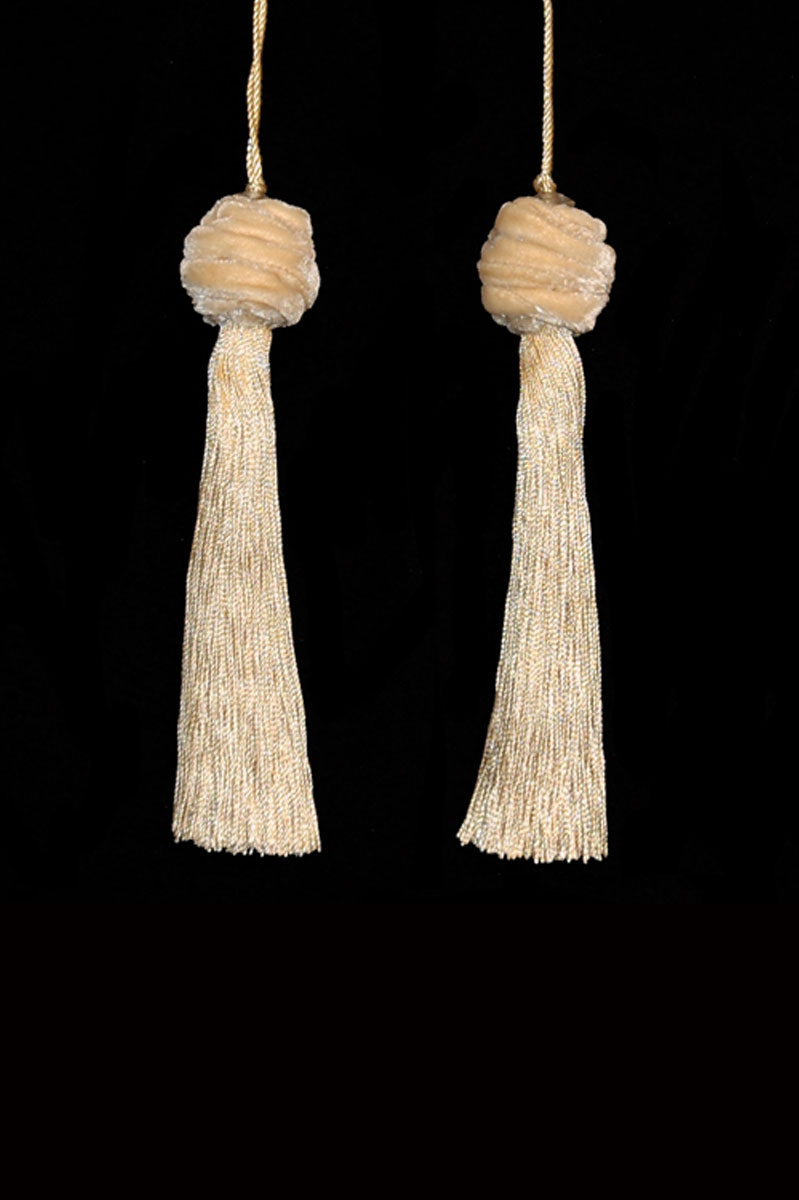 Venetia Studium Turbante couple of vanilla key tassels