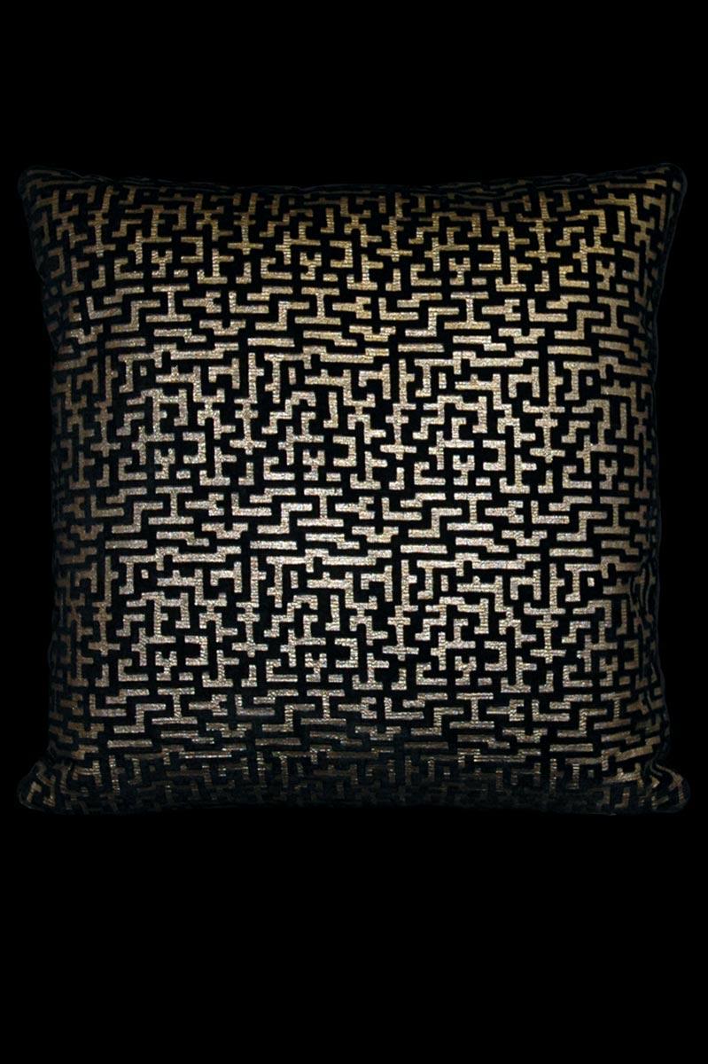 Venetia Studium Labirinto bedrucktes quadratisches Samtkissen in Schwarz