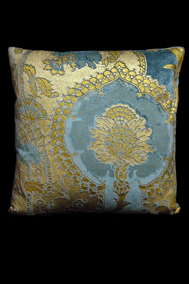 Venetia Studium San Gregorio bedrucktes quadratisches Samtkissen in Blaugrün